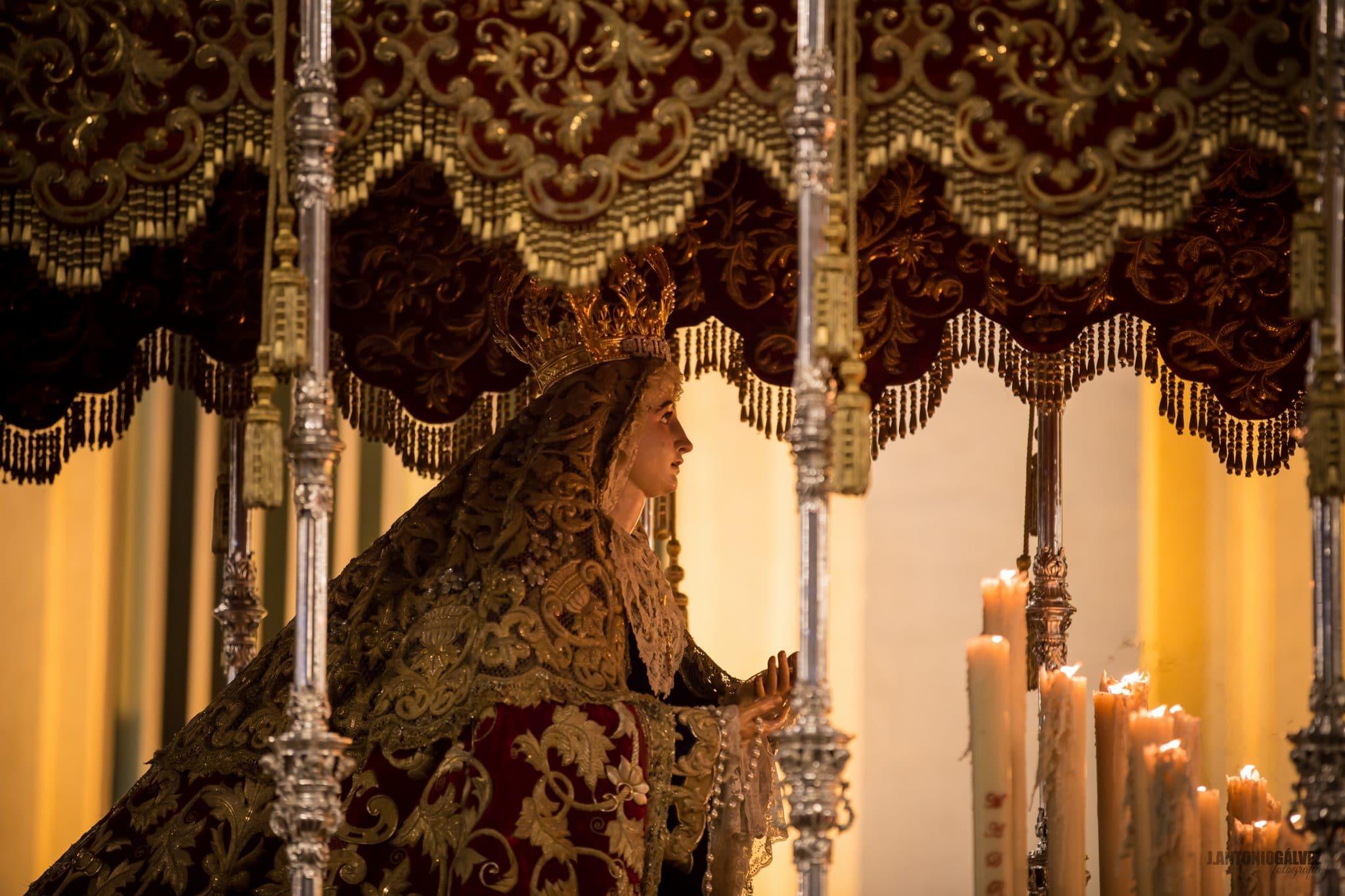 Semana Santa en Sevilla - Cristo de Burgos