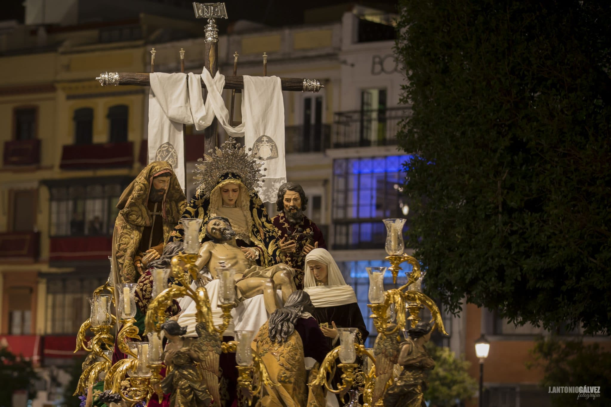 Semana Santa en Sevilla - La Mortaja