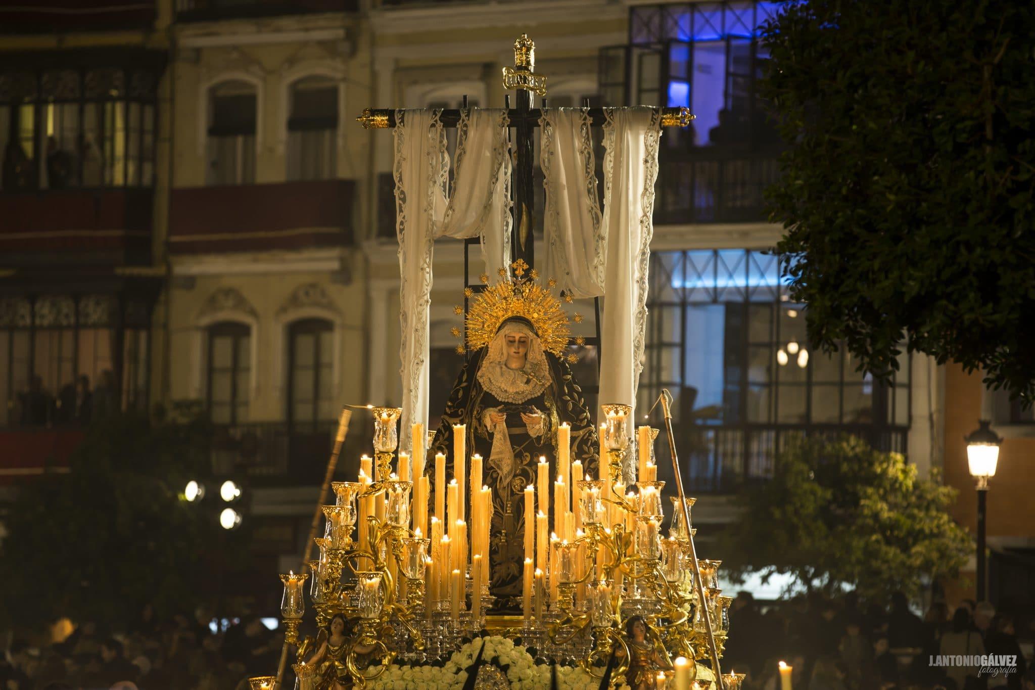 Semana Santa en Sevilla - Soledad 2