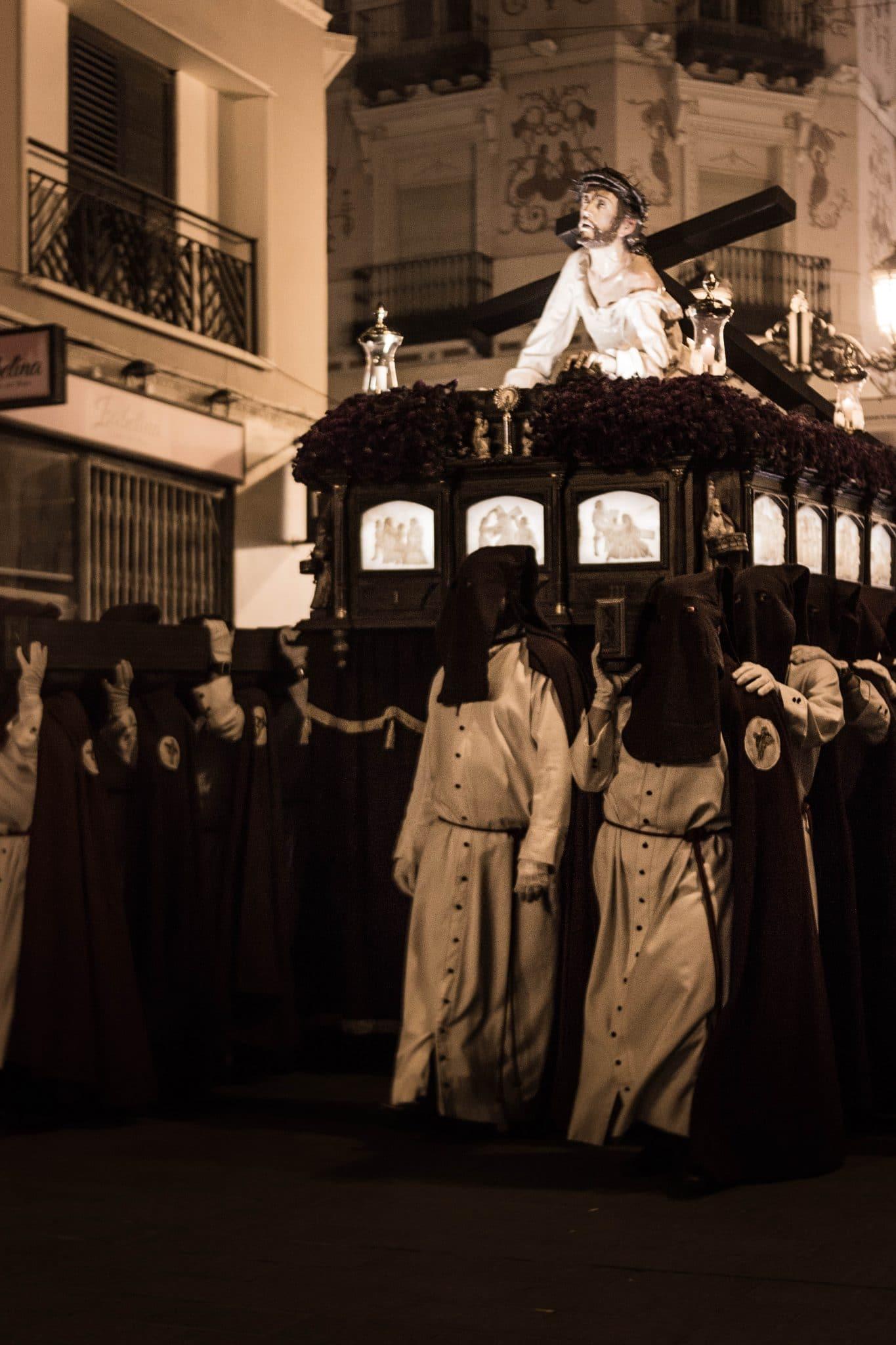 Semana Santa en Zaragoza - Procesión del Encuentro Calvario