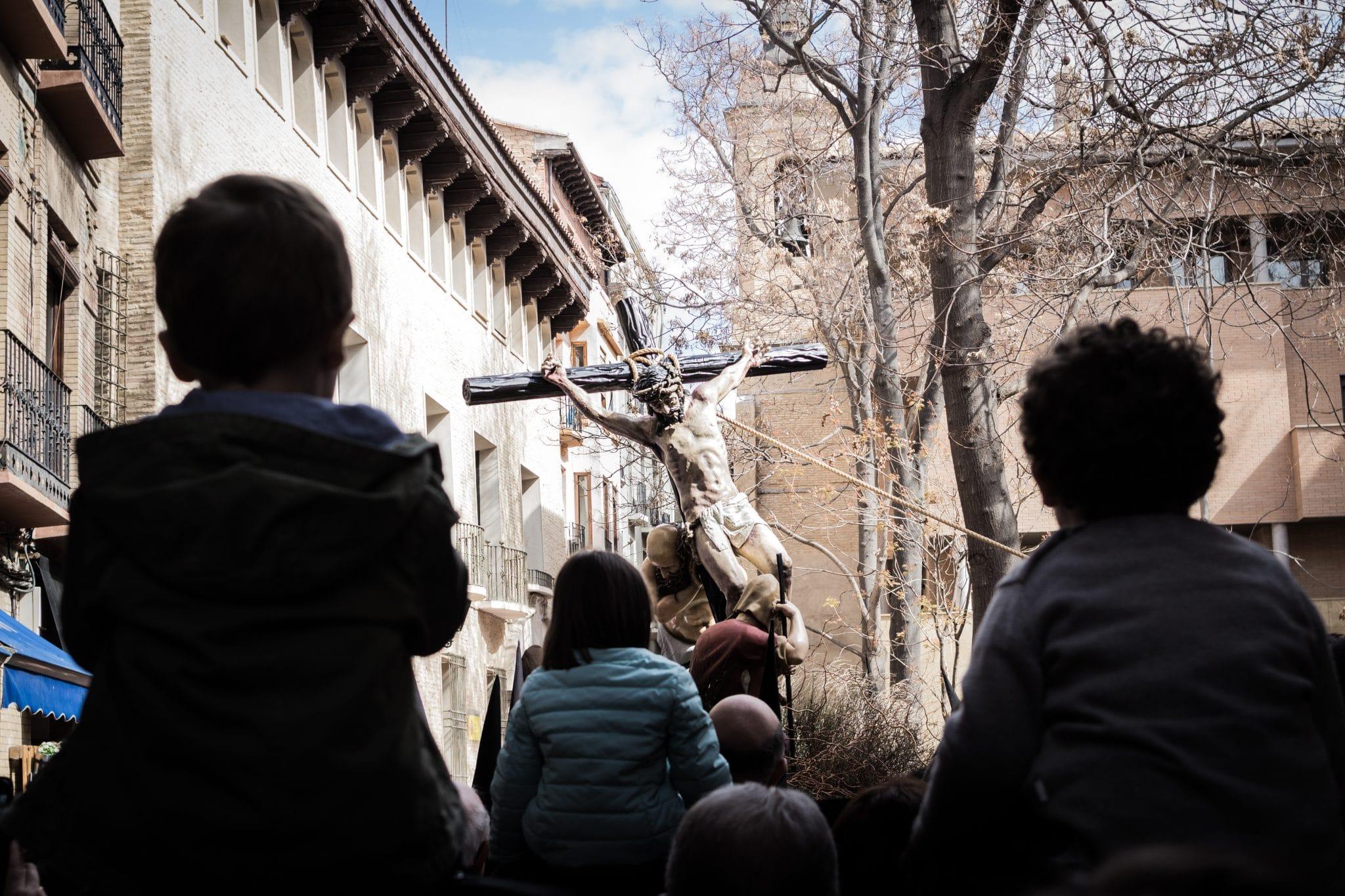 Semana Santa en Zaragoza - Procesion Titular Exaltación