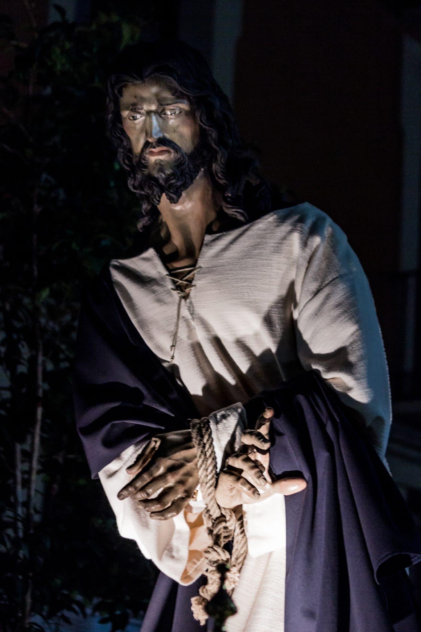 Semana Santa en Zaragoza - Procesion Titular Prendimiento