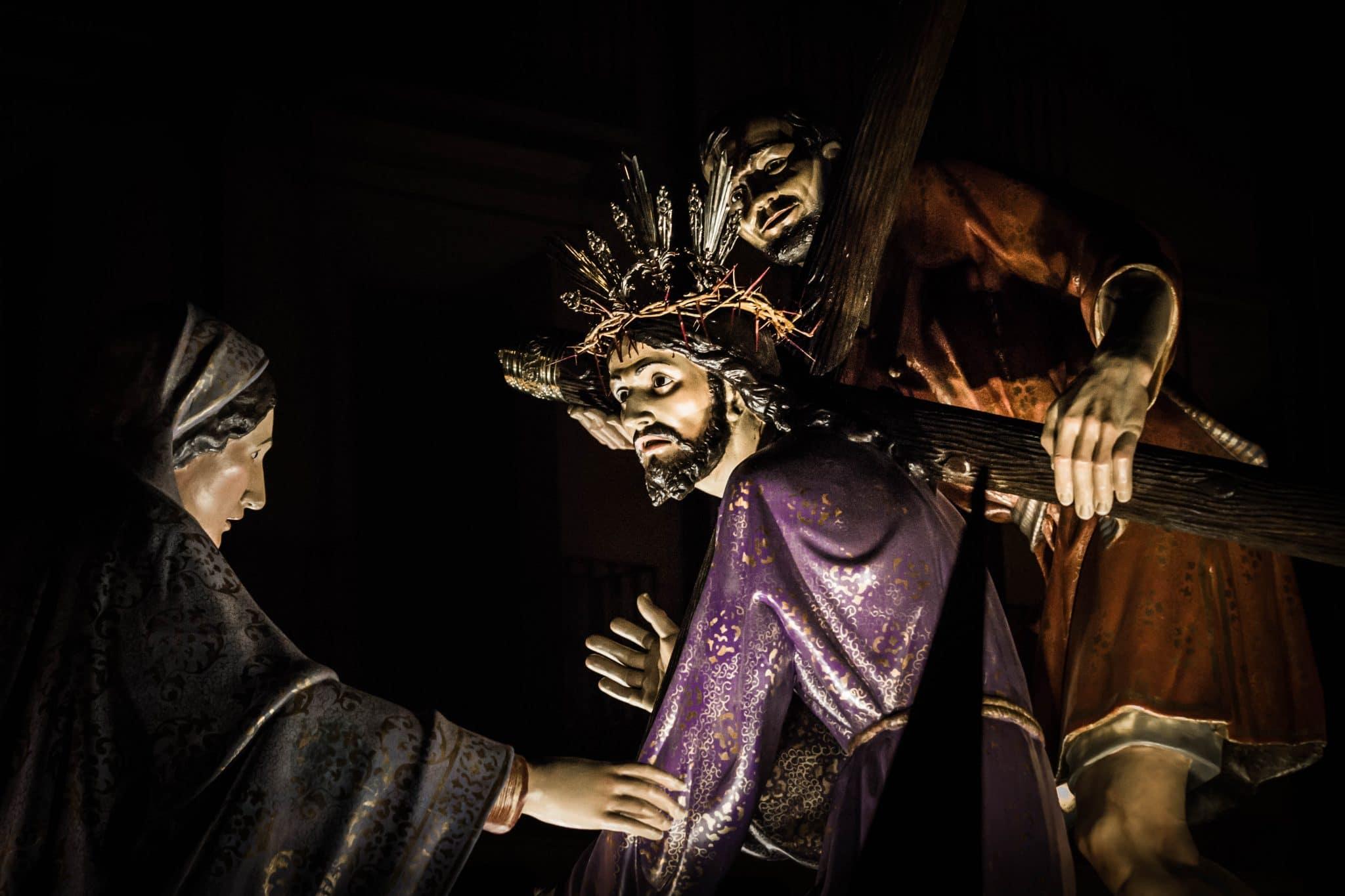 Semana Santa en Zaragoza - Procesion Tres Caídas Calvario