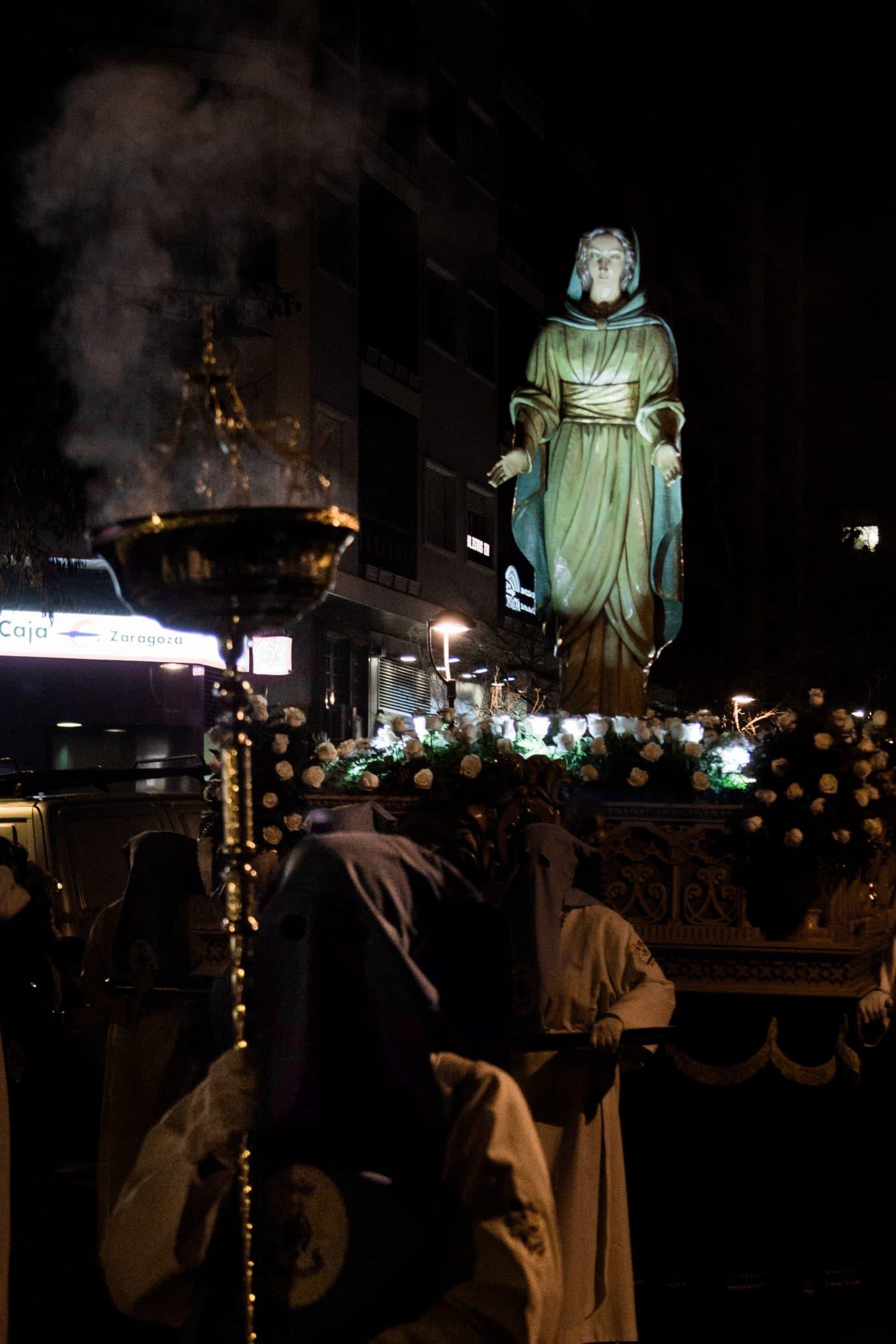 Semana Santa en Zaragoza - Procesion de Nuestra Señora de la Esperanza RESUCITADO