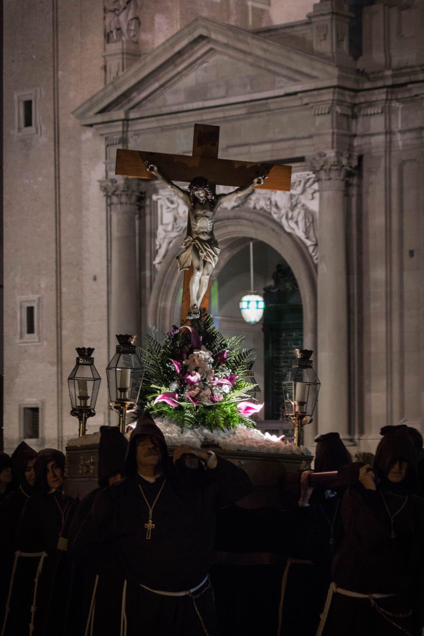 Semana Santa en Zaragoza - Via Crucis Crucifixión