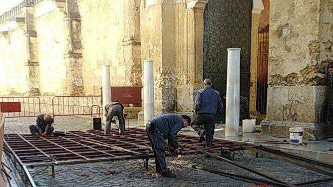 Operarios trabajando en la construcción