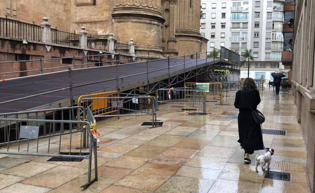 Rampa acceso Catedral Málaga