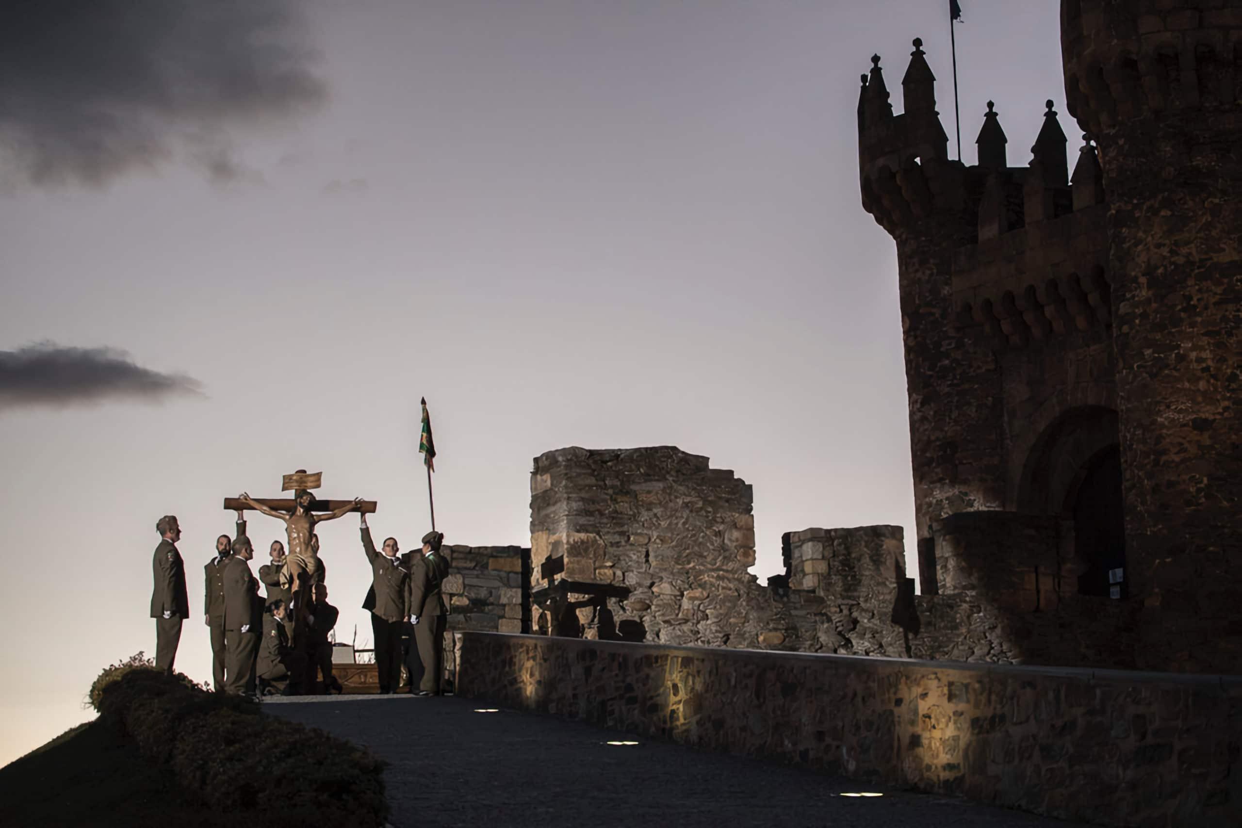 Traslado al castillo y entonación del Cristo de la Esperanza, Ponferrada 4