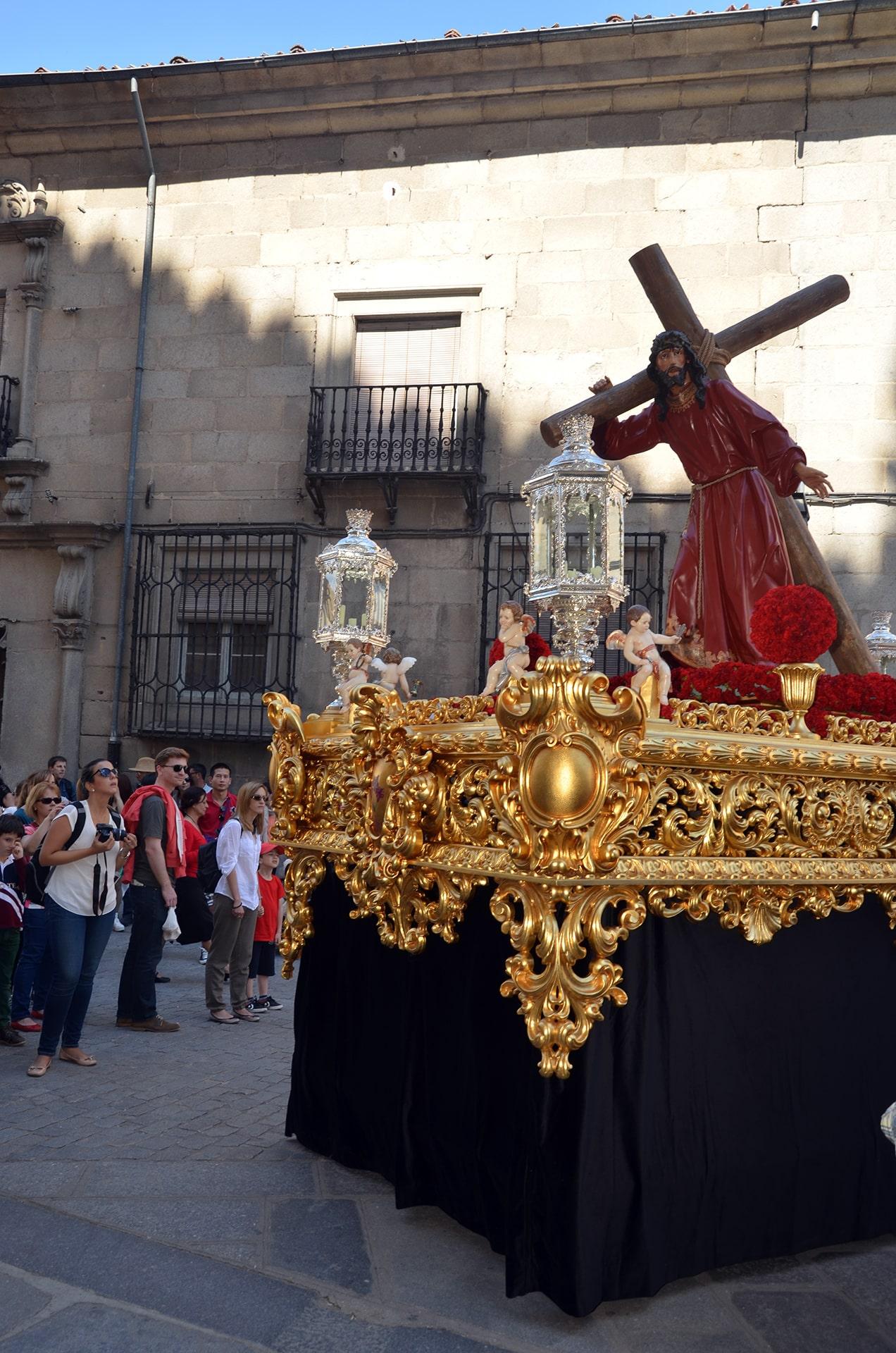 Via Crucis y Procesión acompañando a los Pasos de Jesús con la Cruz a cuestas y La Virgen de las Angustias, Segovia 3