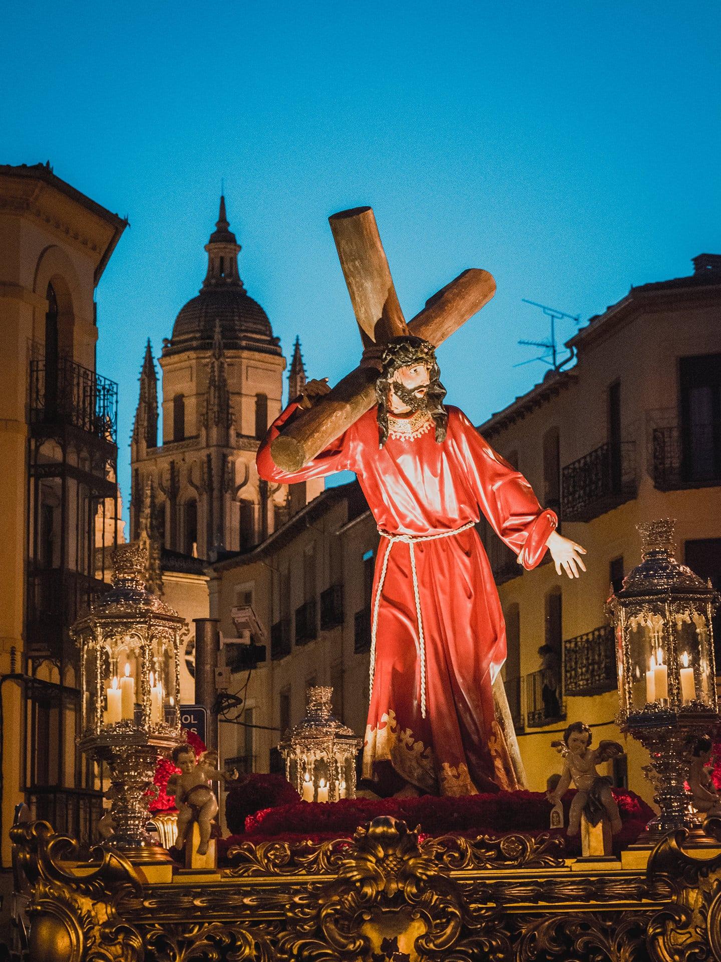 jesus con la cruz a cuestas, ADEMAR, viernes santo, Segovia (Manu Rodrigo)
