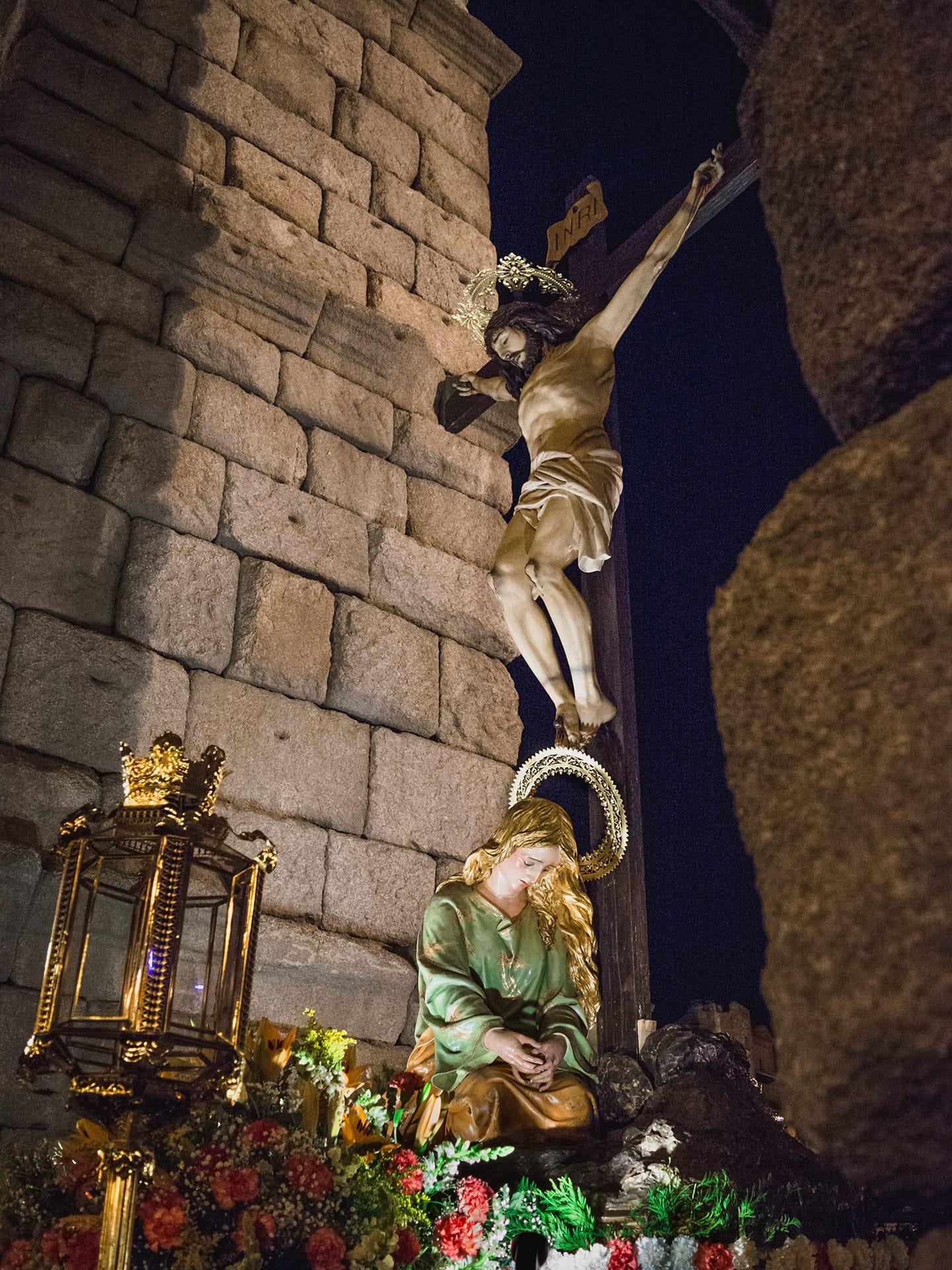 magdalena a los pies de la cruz, san jose, cofra. la piedad, viernes santo, Segovia (Manu Rodrigo)