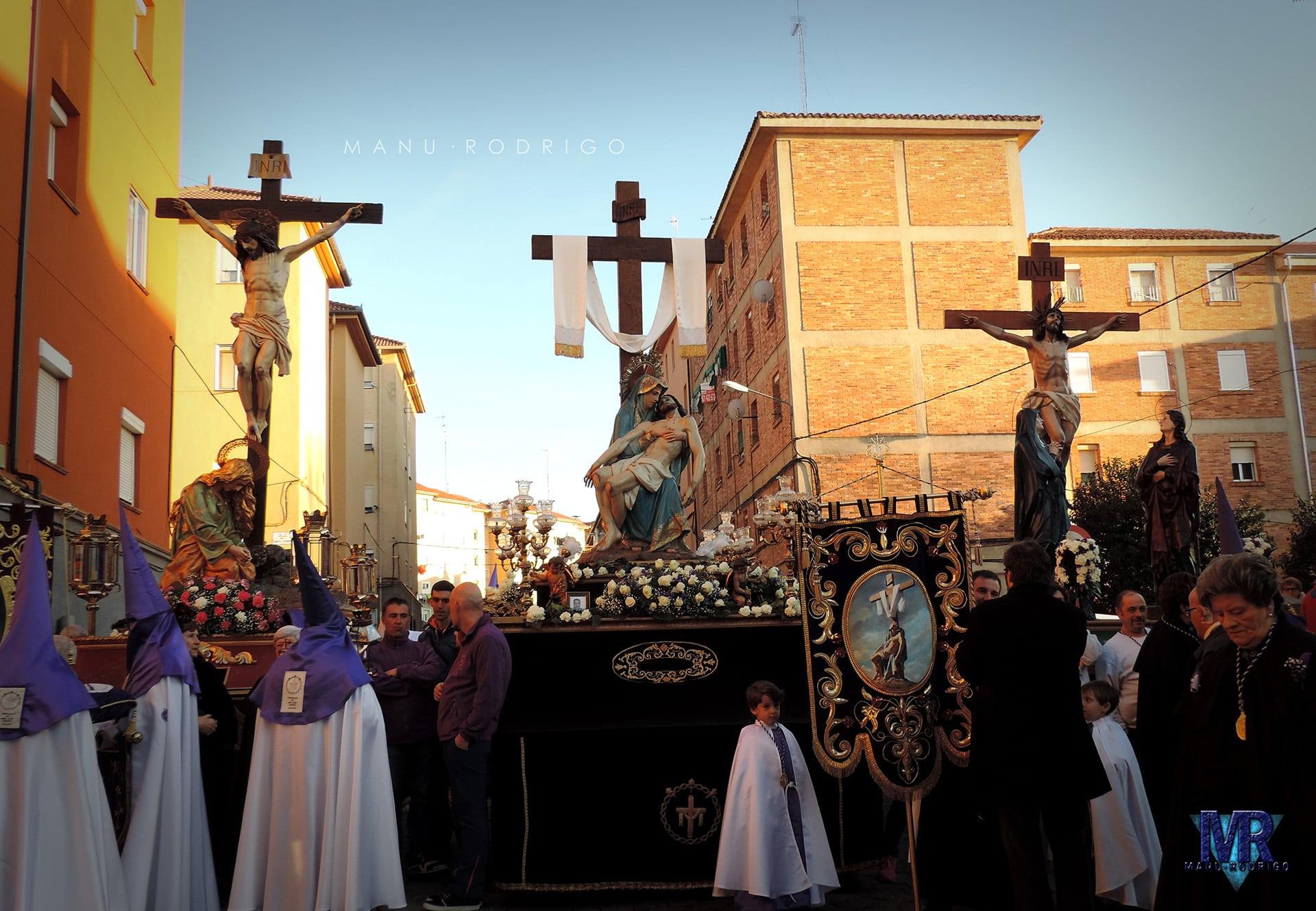 salida desde san jose, cofradia de la piedad, magdalena al pie de la cruz, la piedad y calvario, jueves santo, Segovia (Manu Rodrigo)